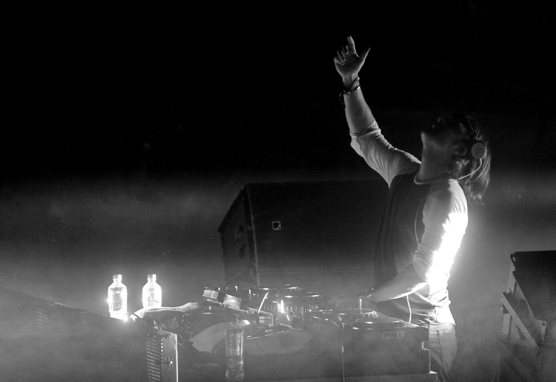 Click image to read 'Ibiza Beats Hit Lollapalooza' on behalf I Love Chile